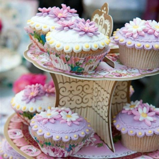 Cake and Cupcake Stands