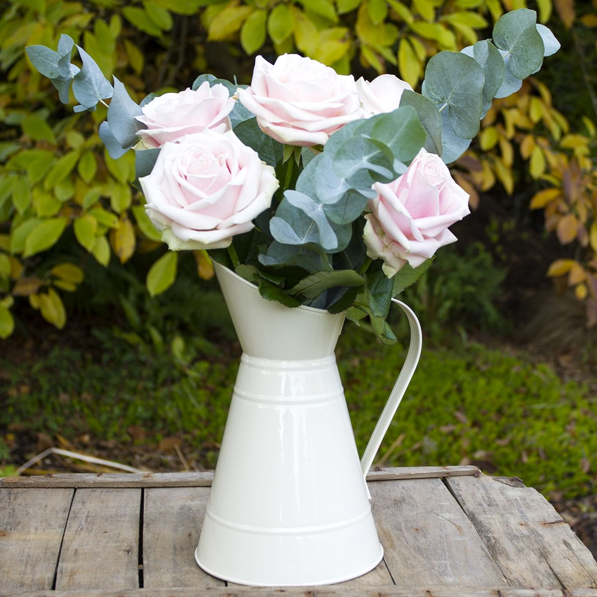 Centrepieces, Jugs and Vases category image