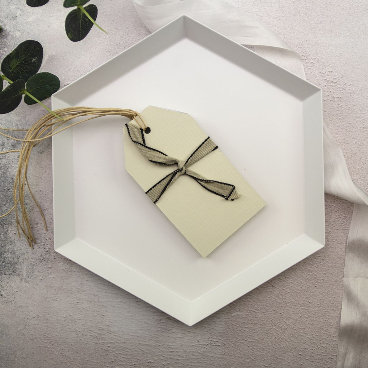 Plain Craft Tags category image