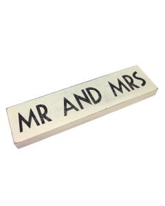 'Mr and Mrs' Sign (Cream)