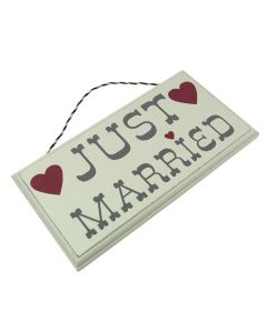 Just Married Hanging Sign with Hearts