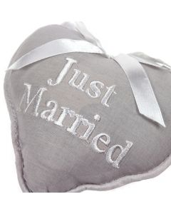 'Just Married' Heart