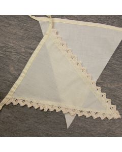 Vintage Cotton Lace Bunting showing lace edge and plain edge