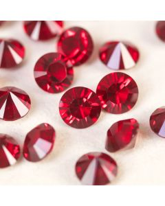 Siam - Factory Pack of 360 SS29 Table Diamonds