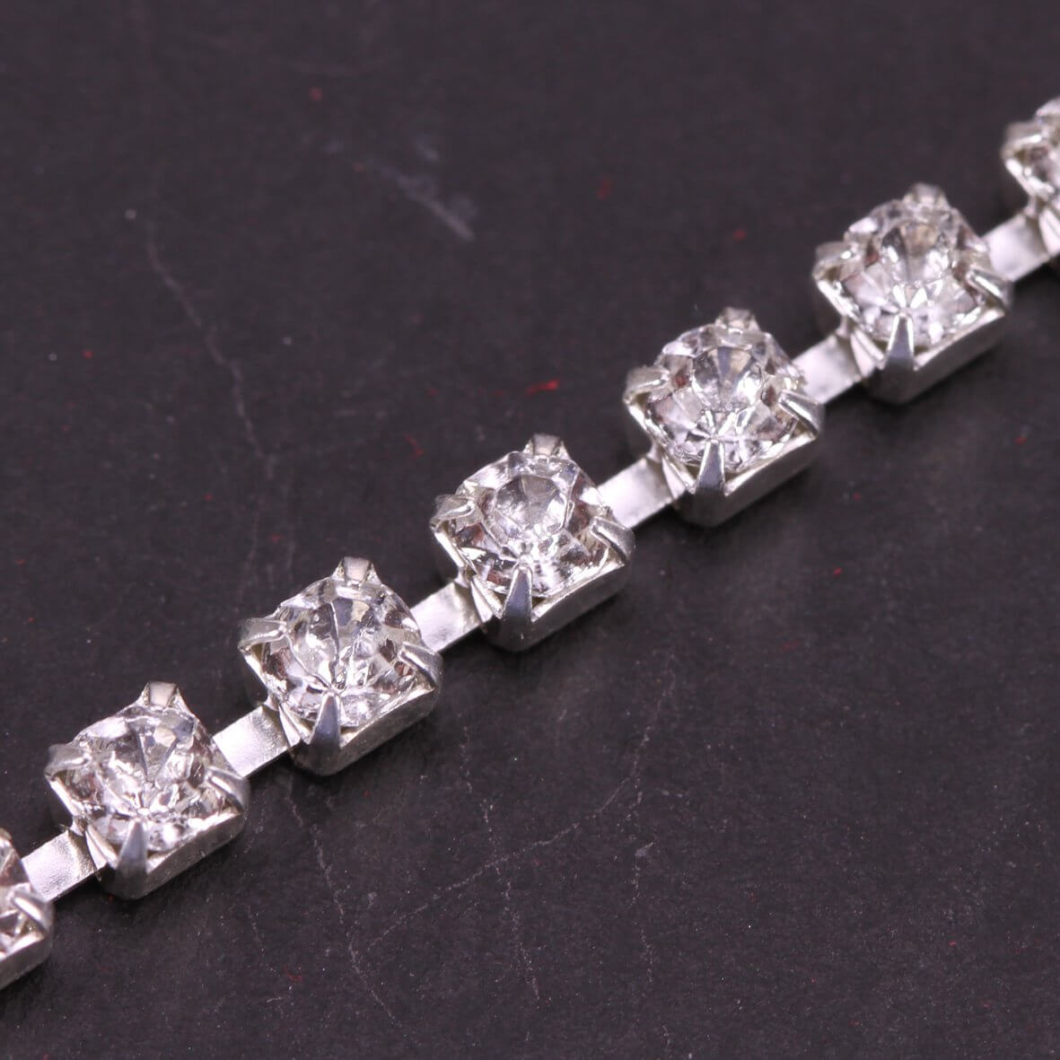 Single Row 3mm Diamante Trim (Clear Crystals - Silver)