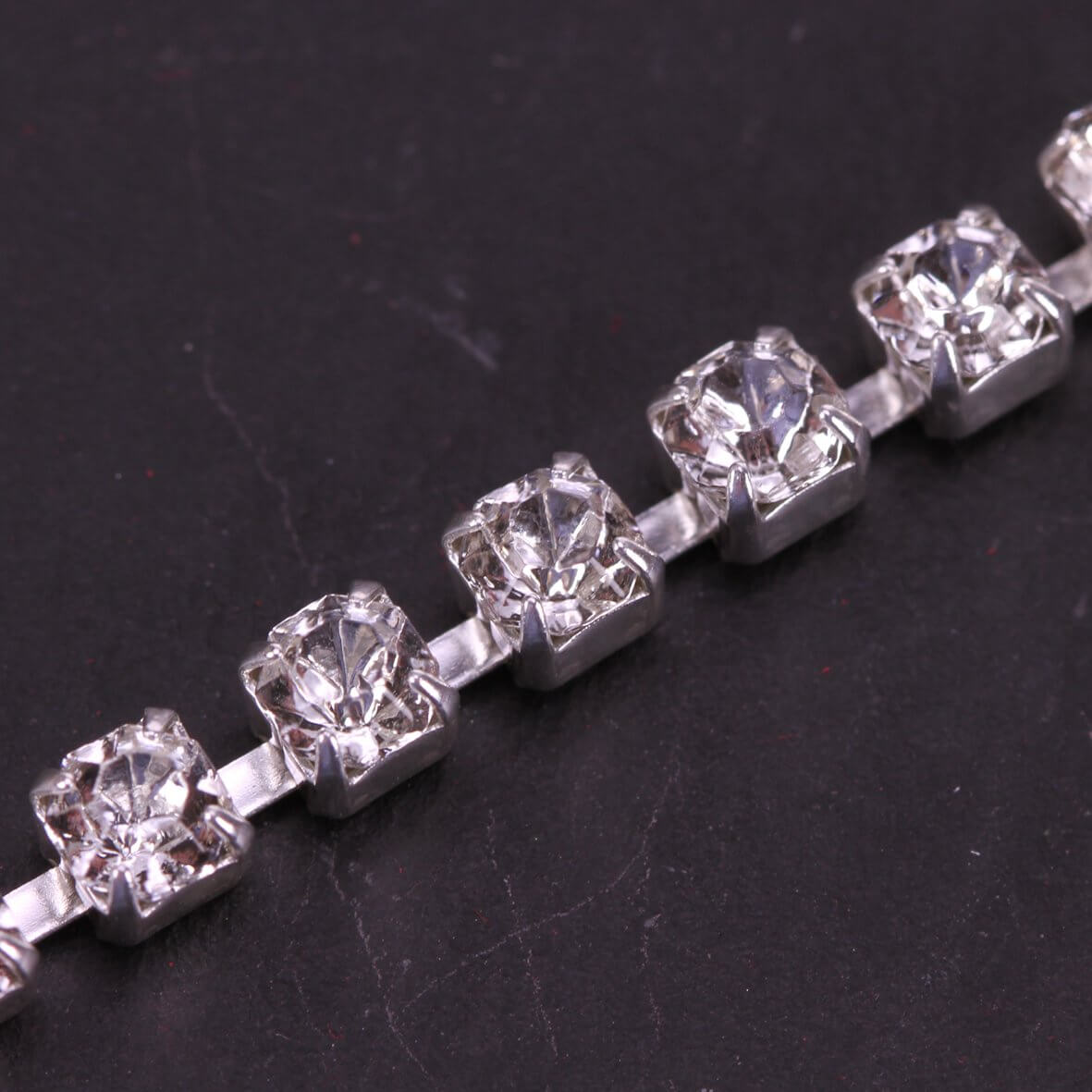 Single Row 4mm Diamante Trim (Clear Crystals - Silver)