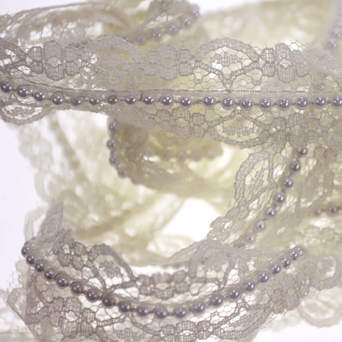 Ivory Bridal Lace and Pearl Trim - 10m Roll