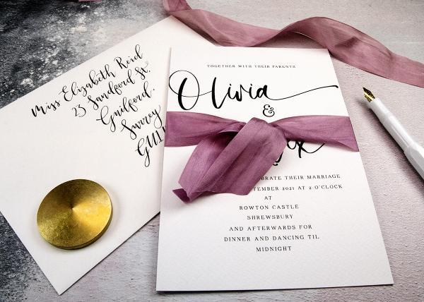 Choosing the Right Wedding Invitation Envelopes