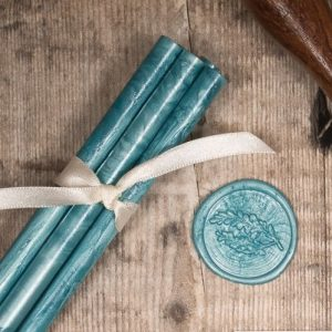 DIY wax seals for your wedding stationery